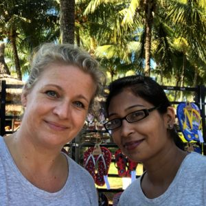 Lovely to meet you - Watch behind the scenes - Owniez - Ilse and Vandana - About